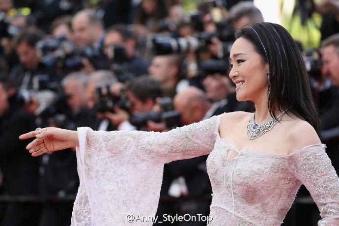 巩皇现身巩俐驾到第69届戛纳电影节开幕关于电影的动物国语图片