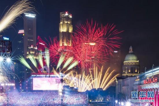 (国际)(6)新加坡举行国庆54周年庆典