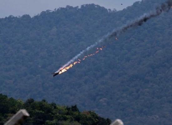 马来西亚航展两印尼飞机相撞坠毁