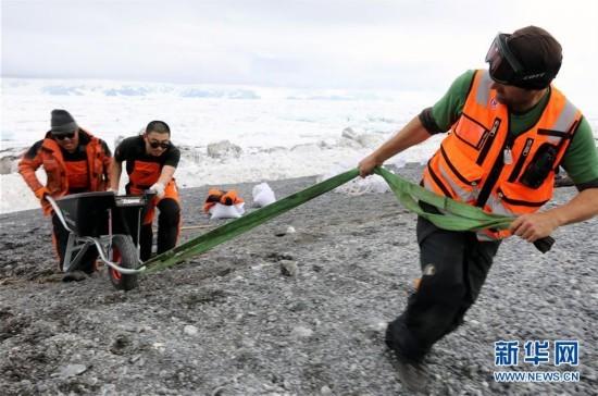 (第34次南极科考)(3)中国科考队参与修护南极历史遗迹建筑