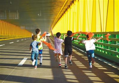来了,长江首座双层公路大桥
