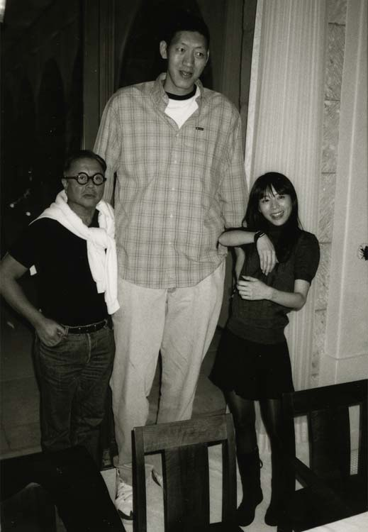 泰森合影孙明明很娇小 蒋雯丽被两位高人吓坏 孙明明单臂提柳岩 柳岩